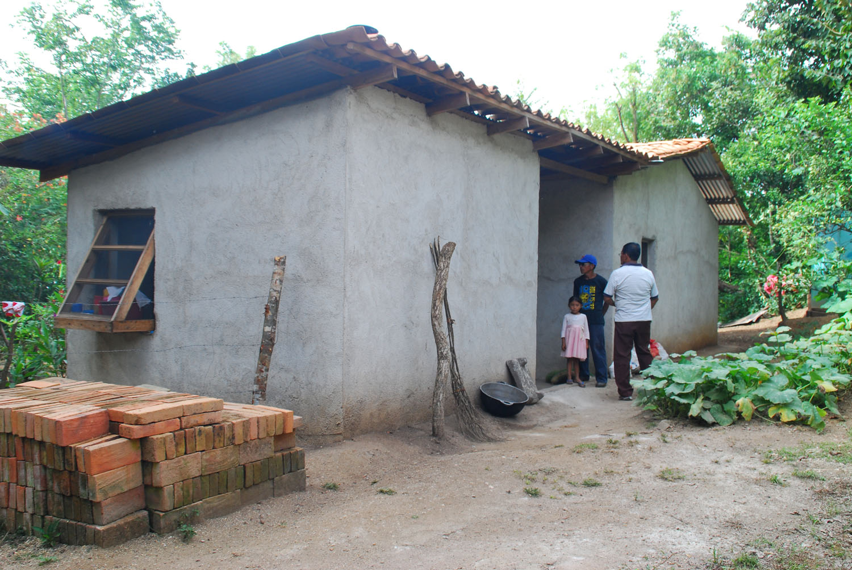 Construccion viviendas chagas nicaragua for Casas reducidas